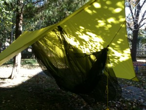 How to make an easy DIY camping hammock tarp: MYOG 15