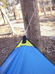 DIY Asymetrical hammock camping tarp: MYOG Ridgeline tie out