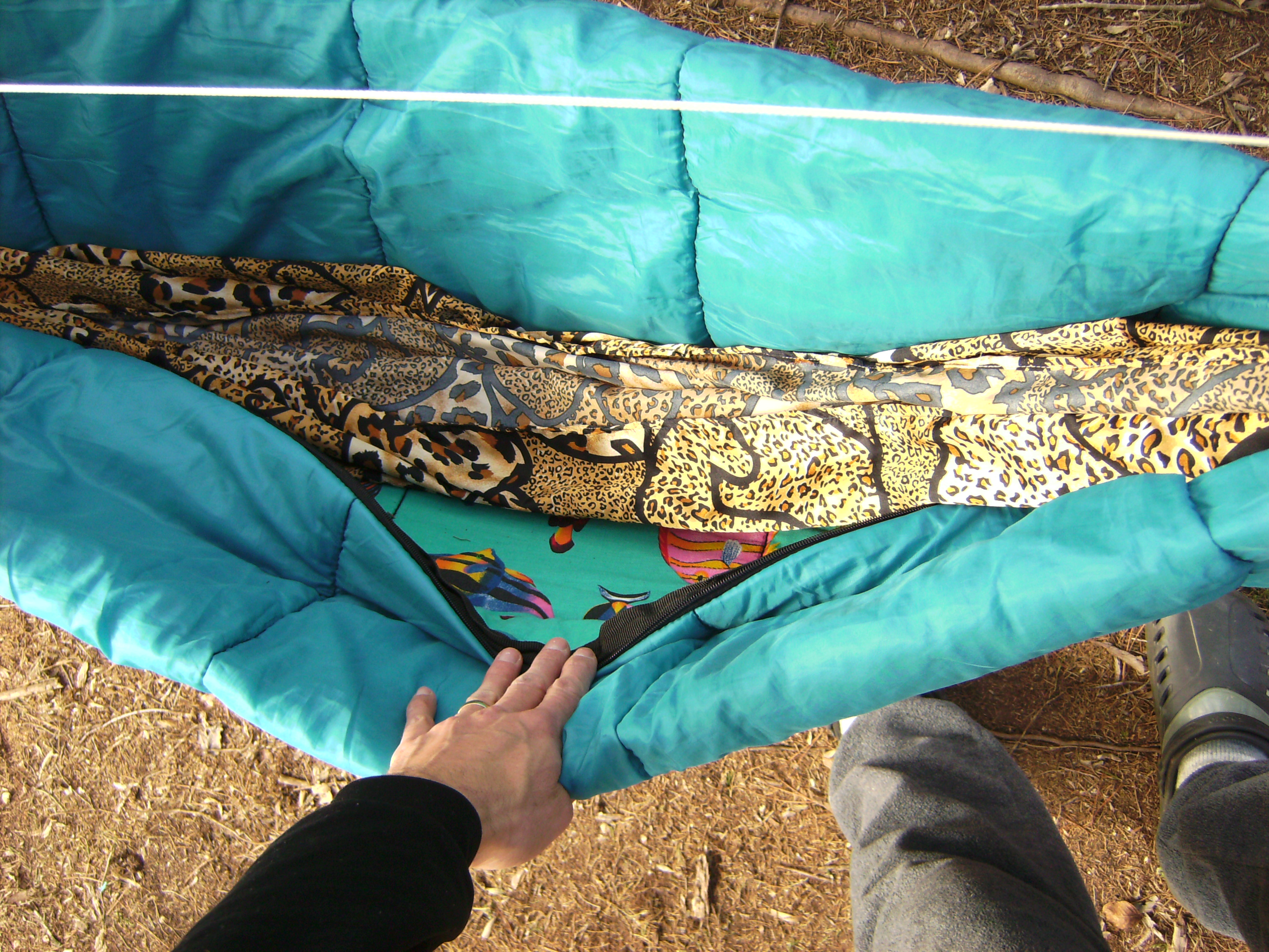 how to make a diy camping hammock underquilt from a sleeping bag to make a diy camping hammock underquilt from a sleeping bag  rh   gear report