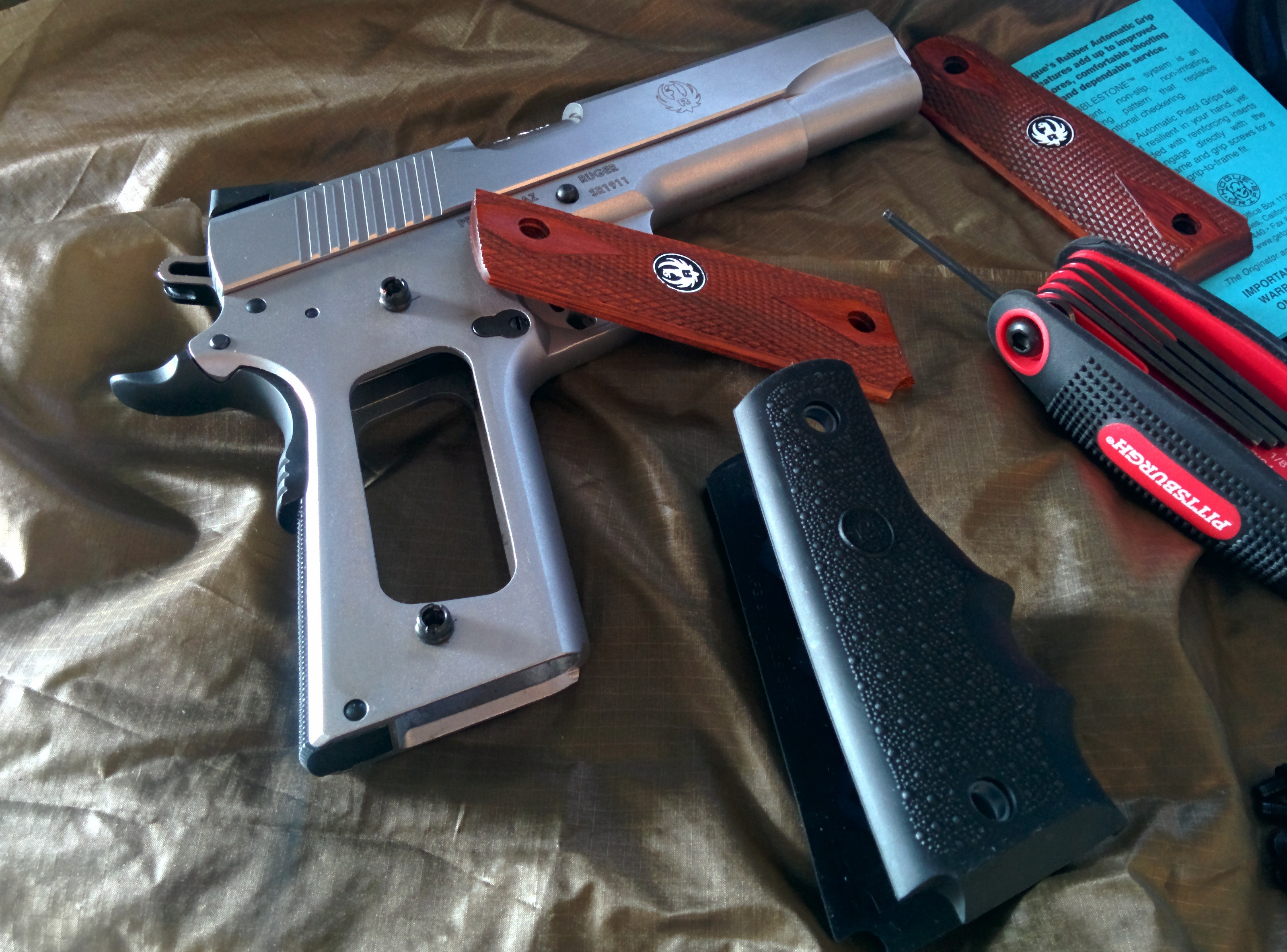 Install Hogue Grips on Ruger SR1911  45 Auto Pistol