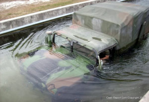How hmmwv deep water fording switch works - HMMWV in deep water training